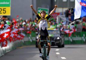 Okolo Švajčiarska 6. etapa: Na vrchole stúpania triumfoval Antwan Tolhoek z denného úniku