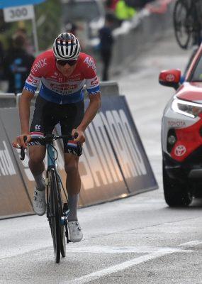 Tirreno – Adriatico 5. etapa: Po sólo úniku sa z víťazstva tešil Mathieu van der Poel
