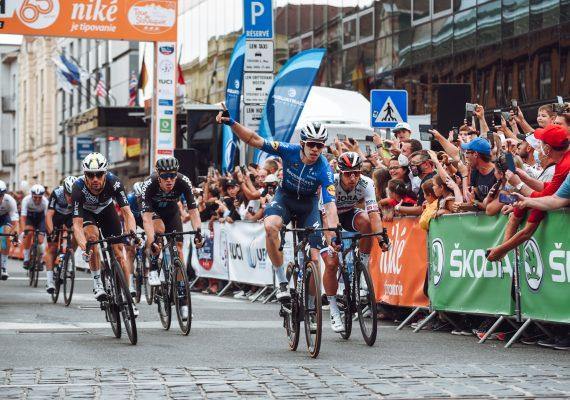 Okolo Slovenska 1. etapa: Famózny Peter Sagan si vyšpurtoval druhé miesto
